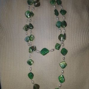 Green and white long cut glass pearl necklace